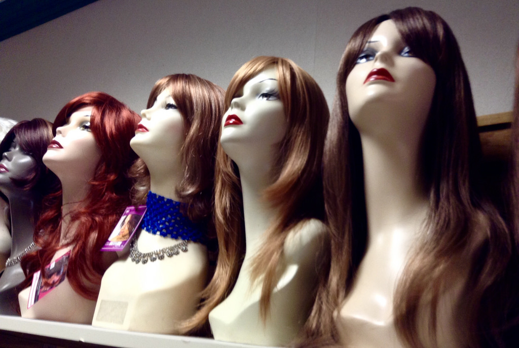 mannequin heads photo
